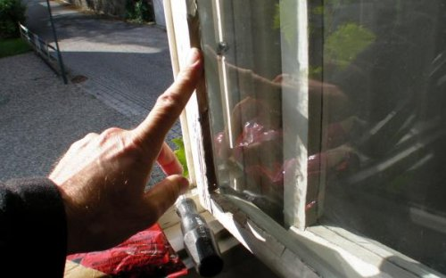 Sehr Hauswart am Samstag: Fenster kitten | ALTON OL66